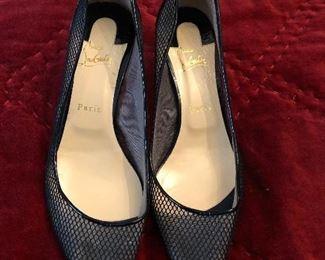 Louboutin kitten heels pumps