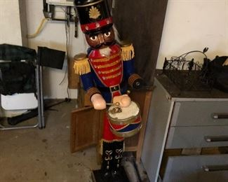 Nutcrackers for lawn