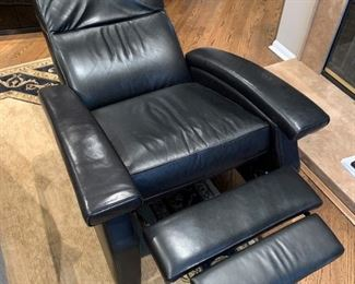Sumptuous black leather recliner. Details and pricing will be available on November 19th after 6 p.m. at https://shop.mlestatesales.com