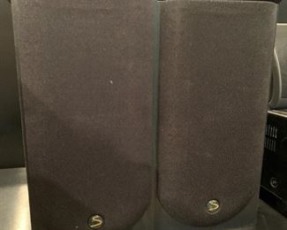 Pair of speakers. Details and pricing will be available on November 19th after 6 p.m. at https://shop.mlestatesales.com