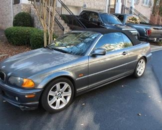 Lot 200: 2001 BMW 325Ci 5-Speed Manual Convertible - car starts but does not go into gear. Selling as is with no reserve!