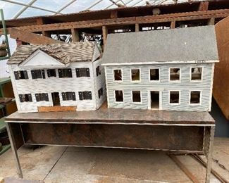 Doll houses and fixtures