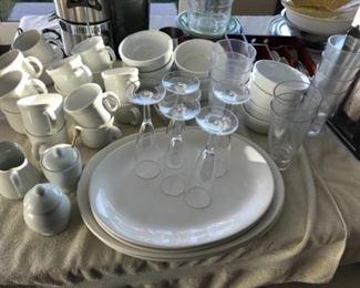 Misc glassware. Estimate $75
