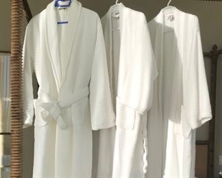 Robes Estimate $125