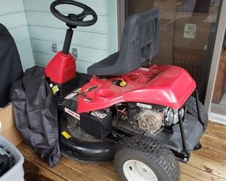 Troy Built Riding Lawn Mower, only used a few times