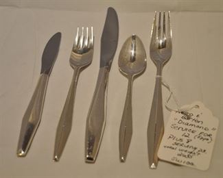BUTTER KNIFE ( 8 SERVING PCS, INCLUDED). 2160g. TOTAL WEIGHT NOT INCLUDING THE KNIVES. OUR PRICE $3500.00 FOR 80 PIECES!