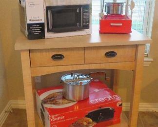 Kitchen island, popcorn machine
