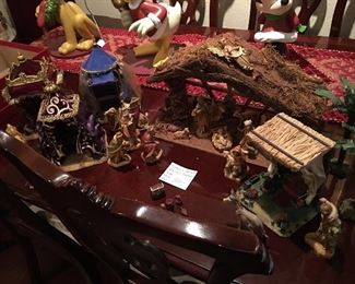 Fontanini Nativity including tents for the wise men & Sheppard tent too.