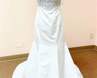 Casablanca Couture Size 10 Bridal Gown