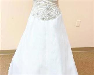 Mon Cheri Bridal Size 10 Bridal Gown