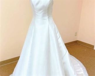 Victoria's Bridal Size 10 Ivory with Silver Detail Bridal Gown