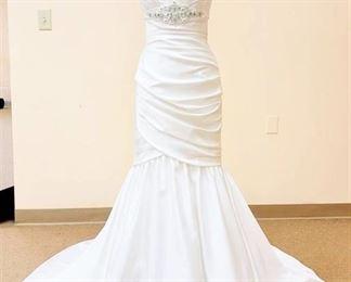 Mikaella size 10 White Bridal Gown