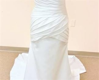 Emerald Bridal Size 10 Wedding Gown, Fitted Bodice with Buttons down Back