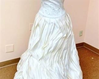 Bellissima Couture Size 10 Designer Wedding Gown