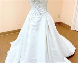 Victoria's Size 10 Designer Wedding Gown