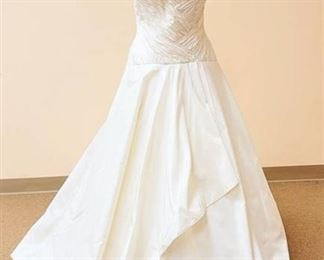 2be Couture Size 10 Ivory Strapless Gown with Pronovias Designer Bridal Jacket