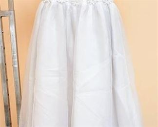 The Sweetie Collection White Flower Girl Special Event Dress - No size tag; appears to be Size 10 or 12
