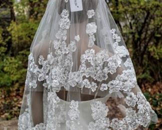 """lesAccesories Barcelona Veil  34"""" Long Natural Off White Raised Floral"""