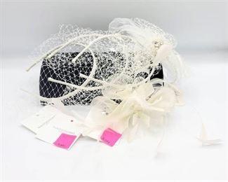 4 Bridal Headbands and 1 Bridal Hair Clip Pieces - les Accessories
