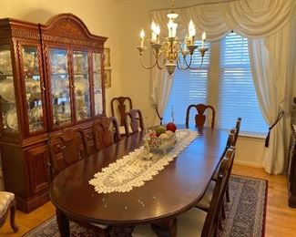 Cherry wood dining room sets Beautiful condition table -8 chairs China cabinet and  Server