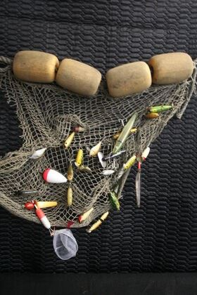 4410 Fish Net with Fishing Lures