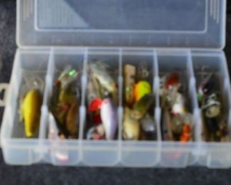 7510 Sm. Case with Fishing Lures