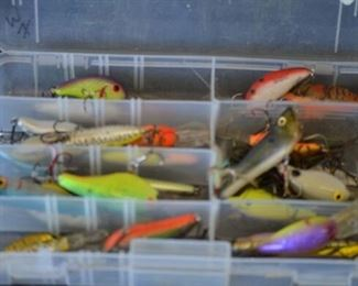 7539 Sm. Case with Fishing Lures