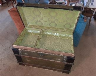 VIEW OF TRUNK - WITH TRAY