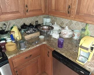 SOUP TUREENS, KEURIG, KITCHEN ITEMS