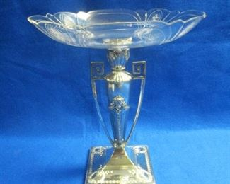 Edwardian English Silverplated Centerpiece Compote w/ Etched Glass Bowl