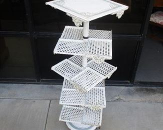 Cast Iron Victorian Bakers Cooling Pie Rack