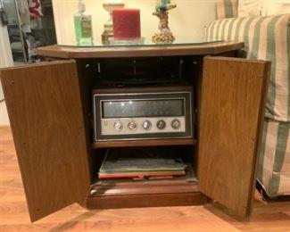 Magnavox Console Cabinet with Radio & Phonograph