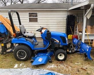 New Holland Tractor - TZ25DA