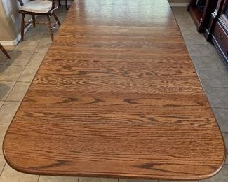 Solid Oak Dining Table w/ 6 Chairs31x44x66-89inHxWxD