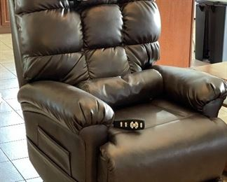 The Perfect Sleep Chair DuraLux Lift Chair48x33x36inHxWxD