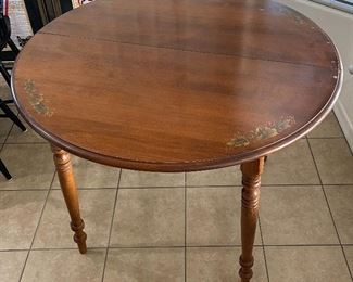 Vintage Walter of Wabash Dining Table Stenciled29in H x 38in diameter
