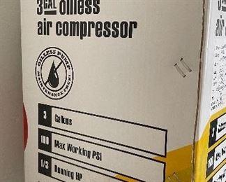 Central Pneumatic 3 Gal Air Compressor 97080