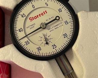 Starrett 25-431j Dial indicator in box