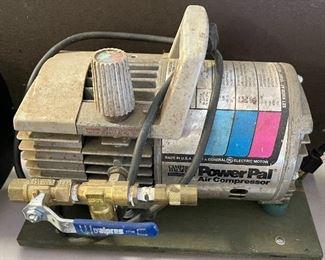 Campbell Hausfeld Power Pal  Air Compressor MT3000002