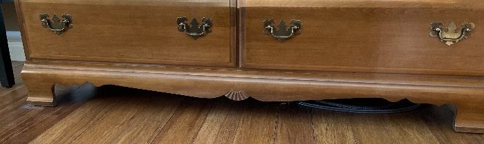 Country Maple 6-Drawer Dresser32x50x18inHxWxD