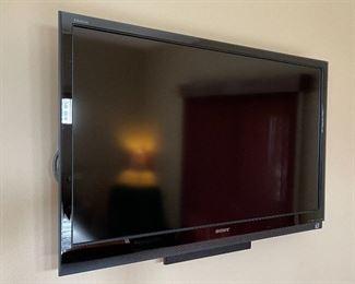 Sony KDL-46Z5100 TV28x43x4inHxWxD