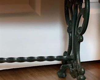Cast Iron Bench Legs16x12x24inHxWxD