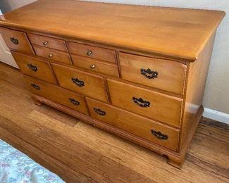 Vintage Maple 9-Drawer Dresser32x58x20inHxWxD