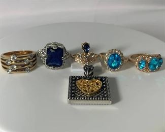 An Assortment of 5 Ladies fashion Rings and Pendant