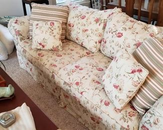 French Provincial/Shabby Chic Floral Sofa