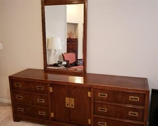 Very nice Credenza Dresser with Mirror by Heritage