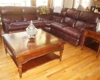 HOLLBERGS Leather sectional / reclining