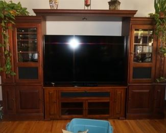 HOOKER 3 piece wall unit/ with BELL'o TV stand nestled in center...selling separately