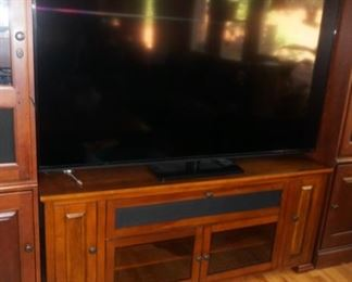 BELL'O TV stand / sold separately from wall unit