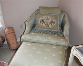 UPHOLSTERED CHAIR W/OTTOMAN